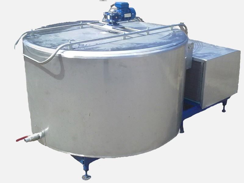 Охладитель молока вертикального типа