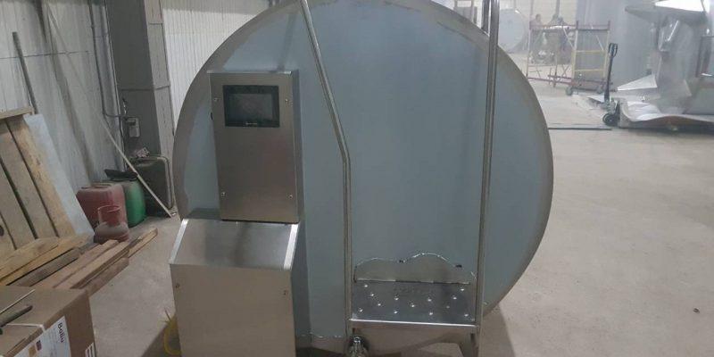 Танк горизонтальный или вертикальный для приемки и хранения молока